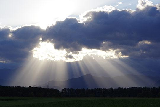 S660 北海道ツーリング 芽室 夕方の光芒