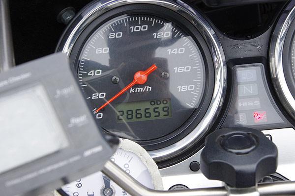 CB400SF オドメーター 285000km超えの、286659km